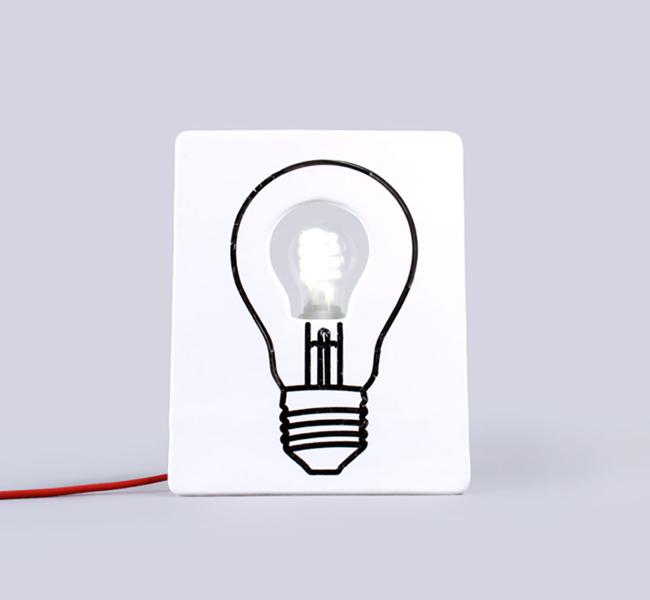 Nachttischlampe zum Bemalen und Beschriften