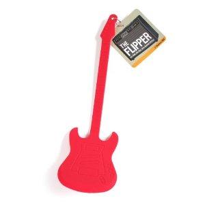 ein Geschenk für musikalische Köche: der Gitarren-Pfannenwender